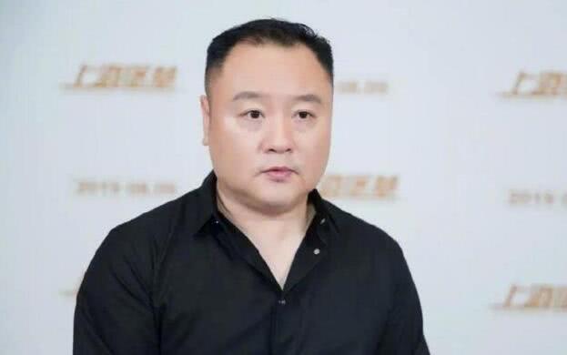 盗版商在影院偷录上海堡垒,因剧情太烂,30分钟后串场看哪吒了