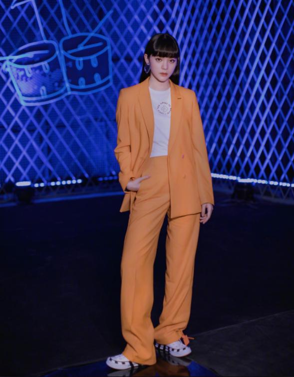 原创            趋势丨橘色不止代表爱马仕,更是杨幂、宋祖儿的扮靓神器!