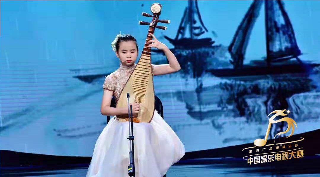平均每天断两根弦!13岁失明女孩弹琵琶冲进决赛...... | 深呼吸