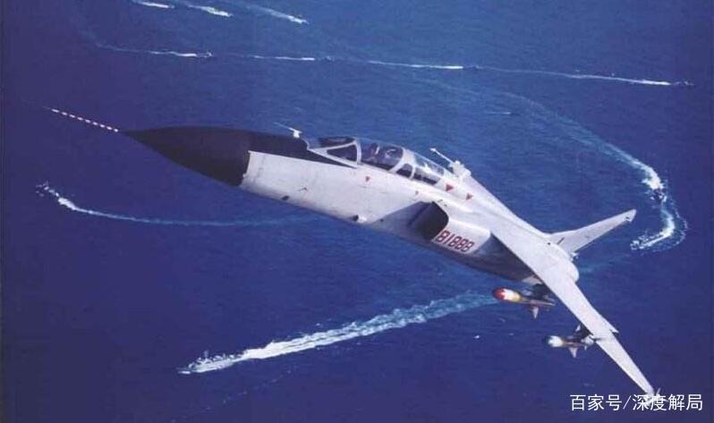东海油气田上空,多架歼轰-7模拟攻击日舰?专家:日方居心叵测