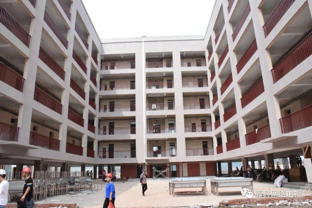 可以上学了 藤县教育集中区三间学校9月1日正式开学