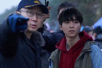 陆川力挺王俊凯:他在我们这个戏九个月没有轧戏,引发网友质疑