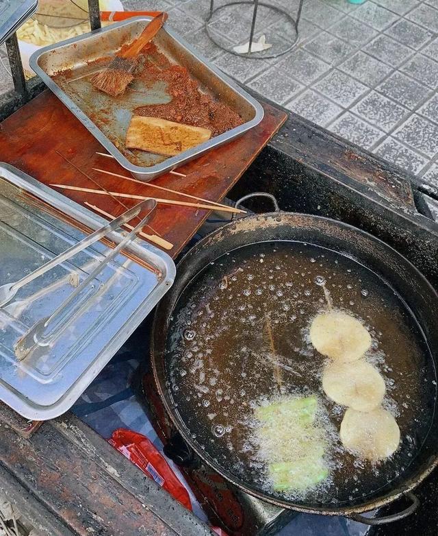 成都:幼儿园中小学周边50米内 不得设食品摊贩经营区