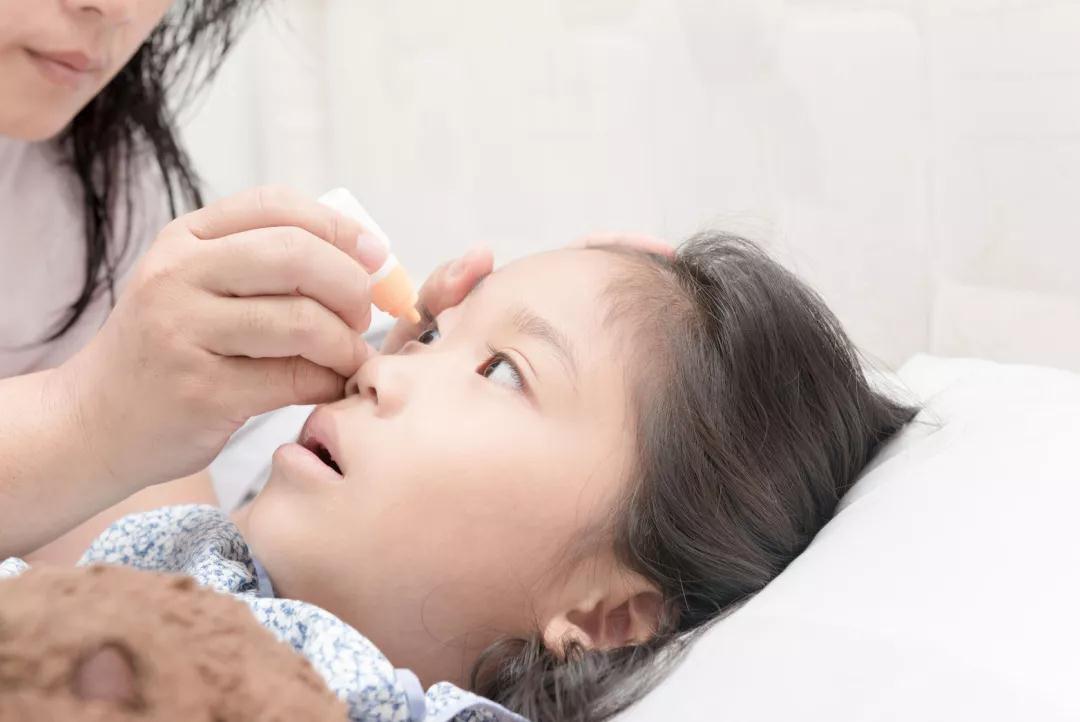 8岁女童游泳后高烧不退 医生 这病好发于儿童,严重可危及生命