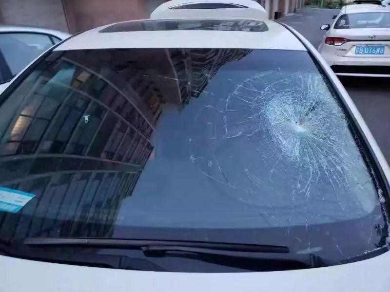 豪车一年内11次被砸!大连英菲尼迪车主悬赏4万求线索