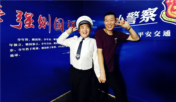 """王杨六月,从《小警察话交通》小主播到""""全家总动员"""""""