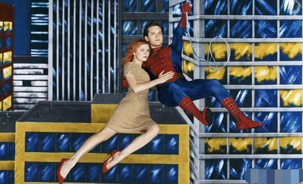 他是第一代蜘蛛侠,凭《蜘蛛侠》吸金6.5亿,如今却面临无戏可拍