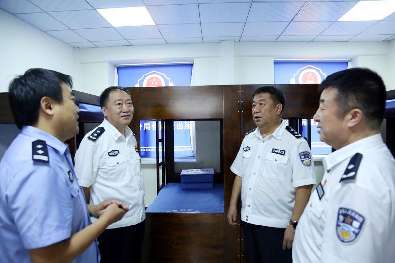 【公安新闻】省公安厅派出督察工作组深入市区公安基层单位开展明查工作