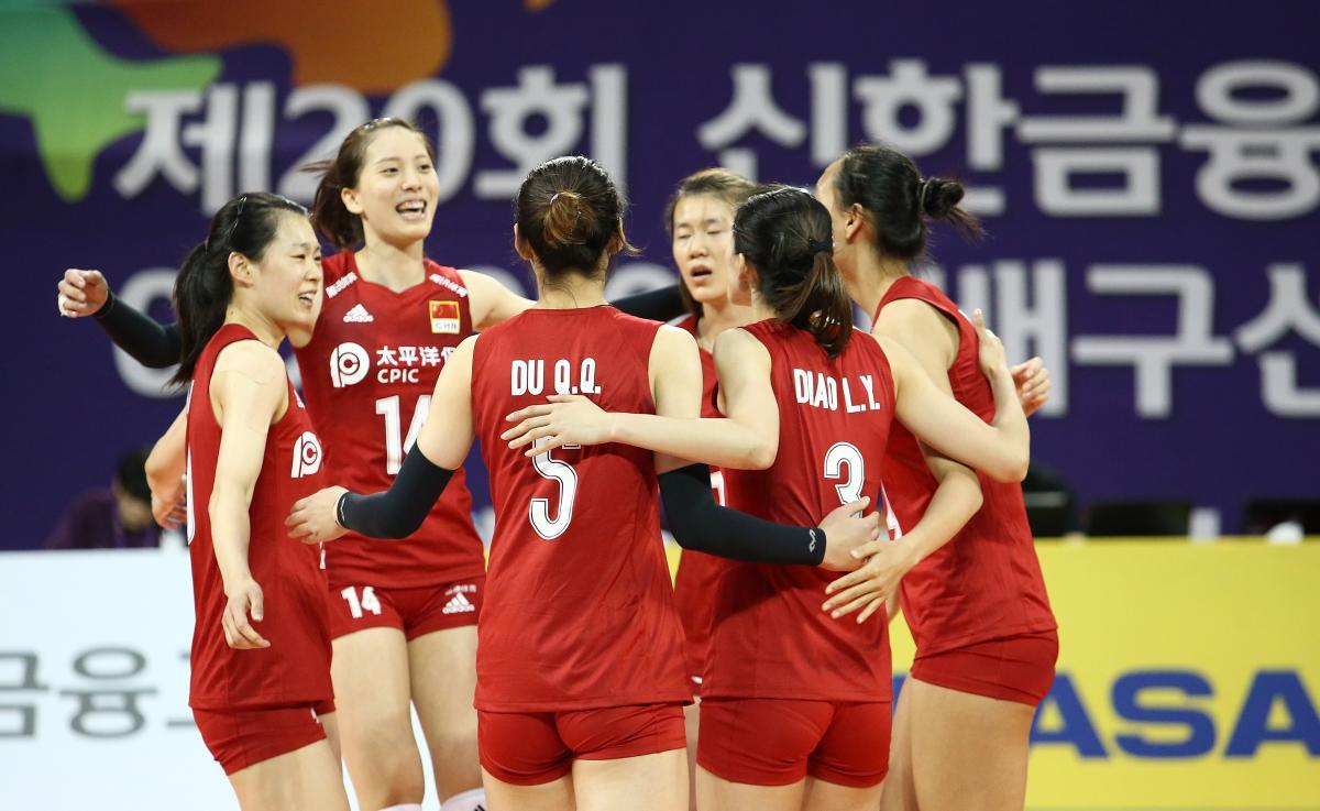 亚锦赛-女排3-2日本进四强 刁琳宇受伤被抬下场