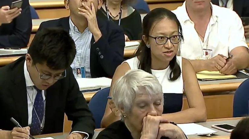 <b>面对中国记者的质问,美国务院发言人的回答真尴尬</b>