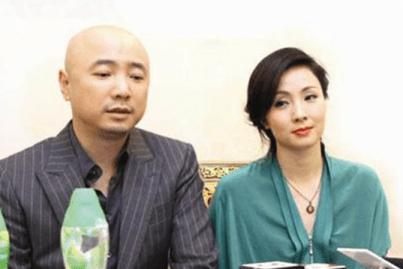 """徐峥朋友圈撒糖:""""我才是陶虹的私有财产"""",破夫妻不和传闻"""