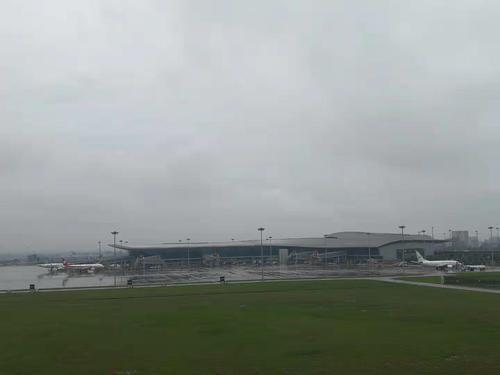 刚刚 潮汕机场因台风影响取消17个航班