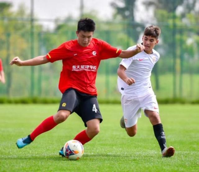 中國足球傳喜訊!恒大2-1淘汰馬競晉級4強16歲小將梅開二度獲盛贊亞搏體育app