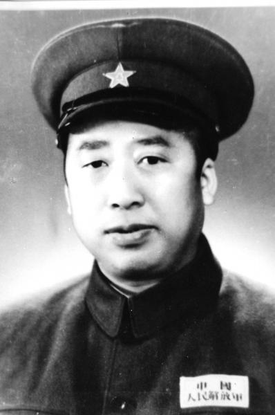 新中国铁路事业奠基人滕代远:永远为党和人民服务_湖南