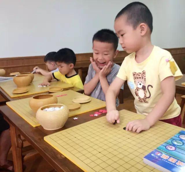 学围棋对于提高孩子非智力因素方面的能力很有帮助