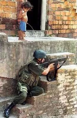 AK瞄准射击及控制专业优秀毕业生