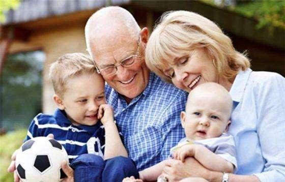 不给子女带孩子的老人最后会怎样?3种结局,差别太明显了