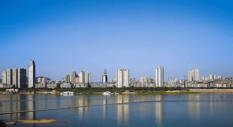 泸州市和毕节市gdp_云南曲靖,四川绵阳与贵州毕节,谁是西南地区的黑马城市