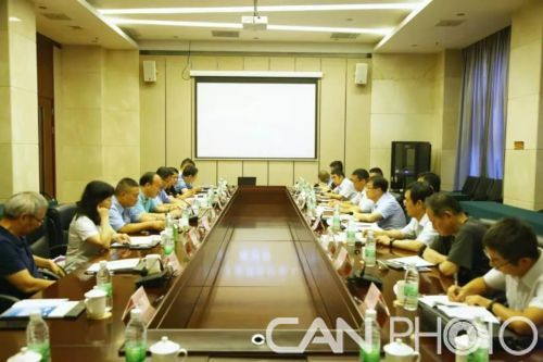 航空工业党外代表人士座谈会在洪都召开