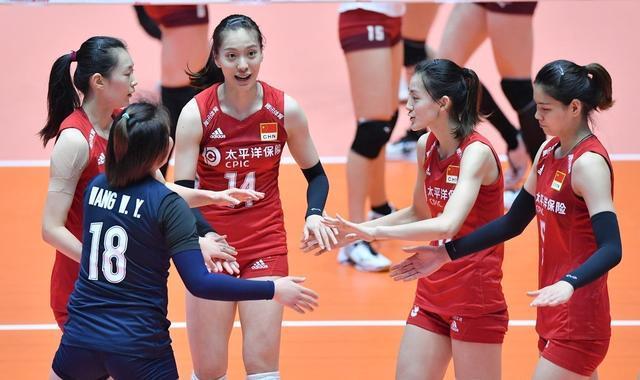 中国女排击败日本,霸气砸崩对手,她赛后动情哭了