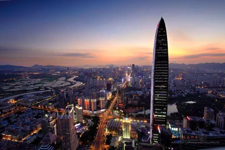深圳经济总量超越香港_香港大学深圳医院图片