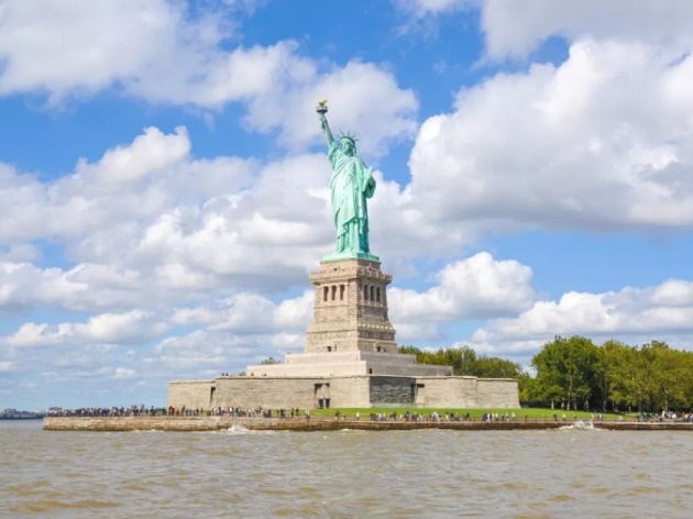 该美国慌了?中国游客持续萎缩,明年或减少200万人损失百亿美元