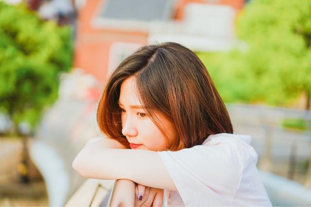 """一个离婚4次的女人教训:""""再好的关系,也要懂得这两个字"""""""
