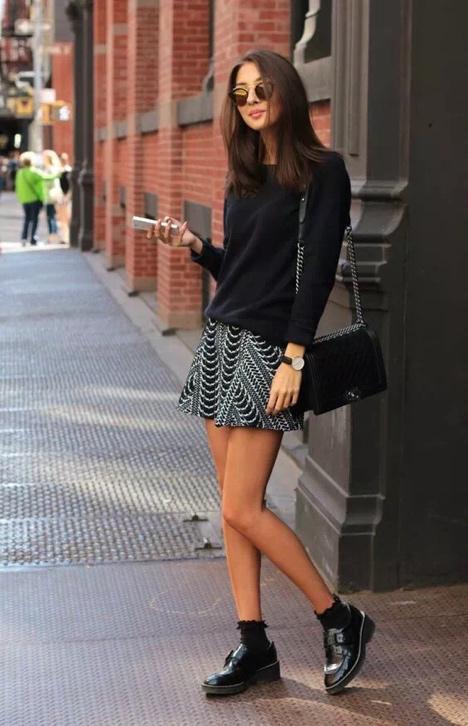 """今秋""""""""下衣消失""""最时尚!时髦女生无法拒绝的穿搭,尽显大长腿"""