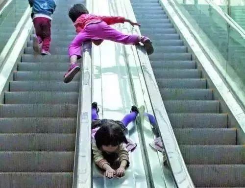 【提醒】周末带孩子逛商场,这几处安全隐患一定要注意!