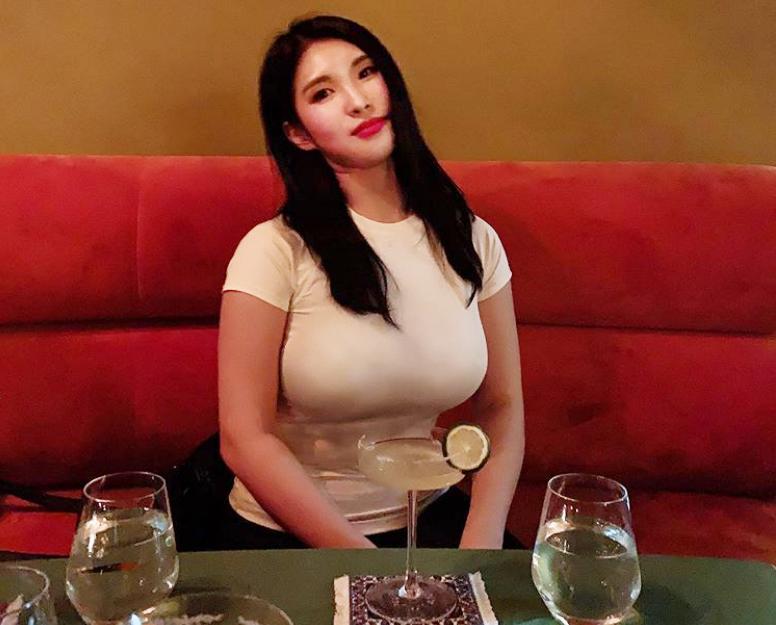 韩国135斤胖妹儿,健身4年体重却不减,自称微胖也很美!