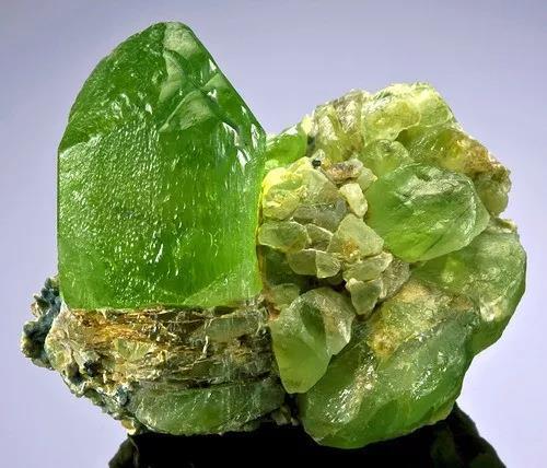 八月能量水晶——拥有太阳神力量的橄榄石