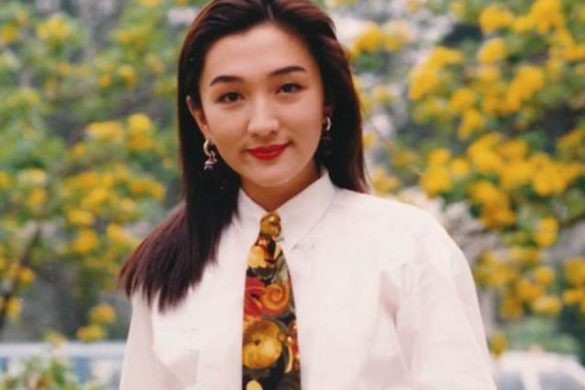 49岁歌手甄楚倩命运多舛为富商生子至今未婚,面对现实回归平民化