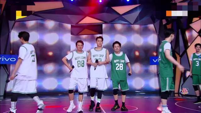 李易峰用篮球