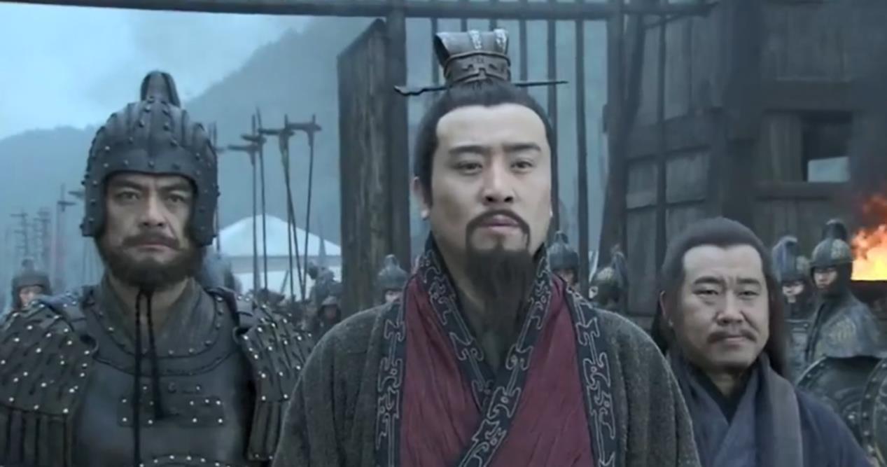 除了刘备之外,还有两人可以压制关羽,诸葛亮不在其中