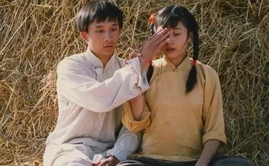 《小欢喜》主演们的第一个角色,黄磊清瘦帅气,英子比现在还可爱