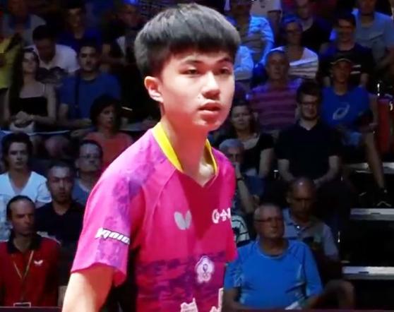 转载:英雄出少年!18岁天才乒乓小将连赢世界冠军登顶,潜力不可估量