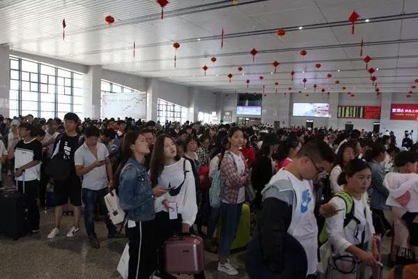 """""""刷脸""""进站!安庆火车站将新增6台自助实名制核验闸机"""