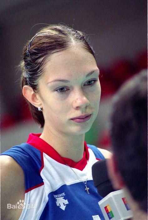 她颜值超高技术惊人,曾是无数女排的噩梦,却两届奥运功败垂成