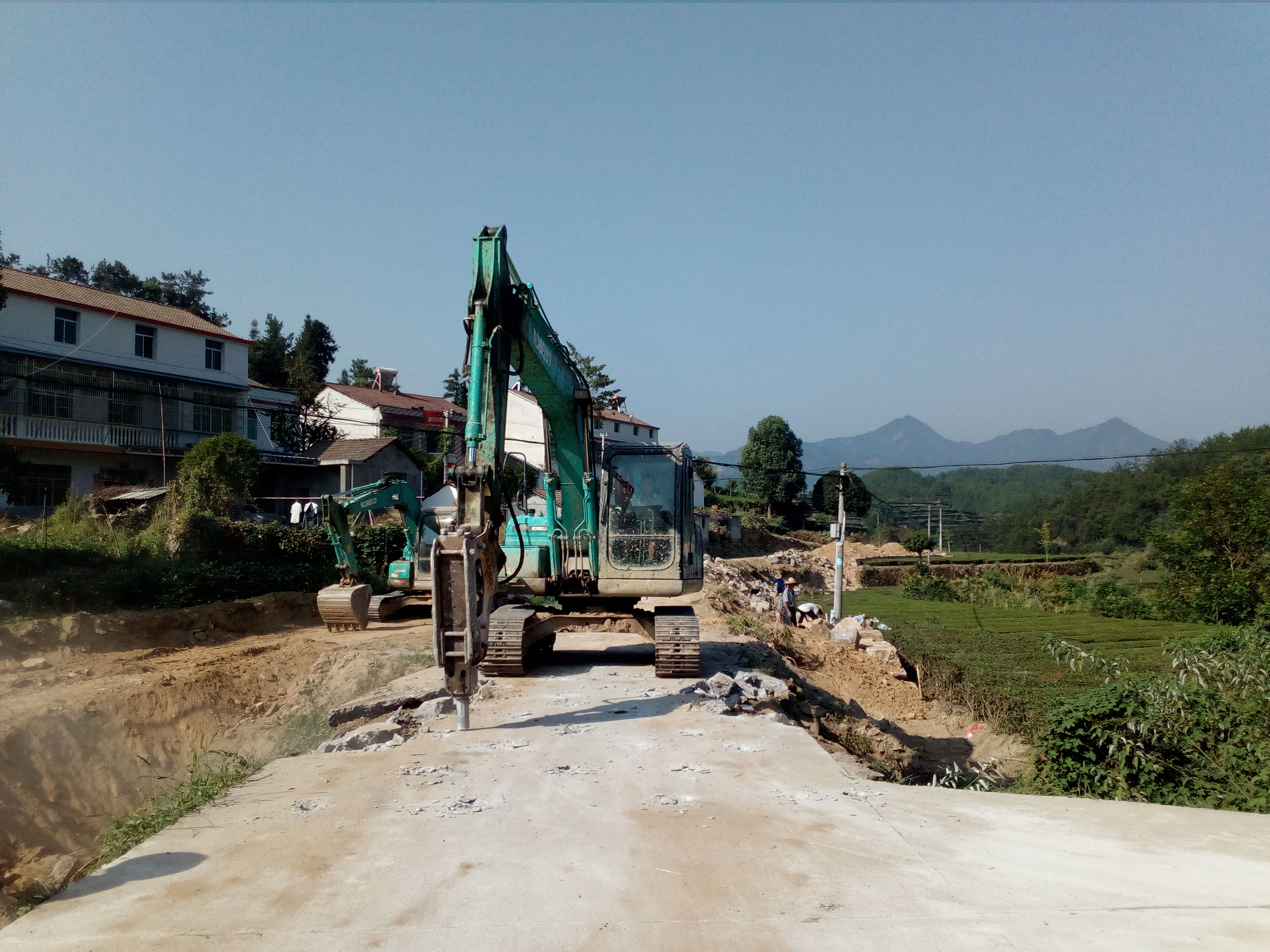 湖北英山县腰磨畈村:美丽乡村建设正在进行时