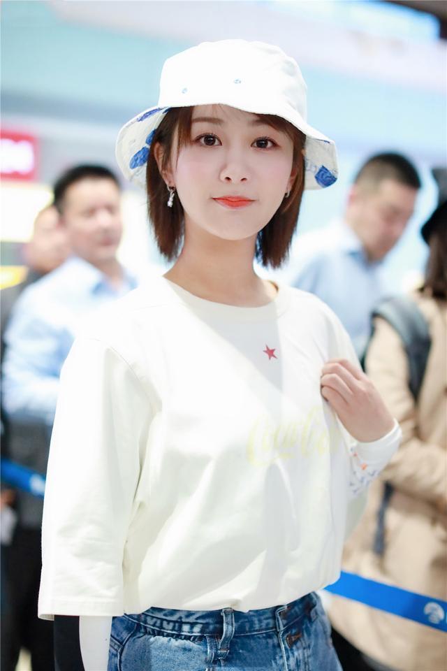 鞠婧祎,精致有仙女范!帽子打扮出4种女神范,超吸睛插图(7)