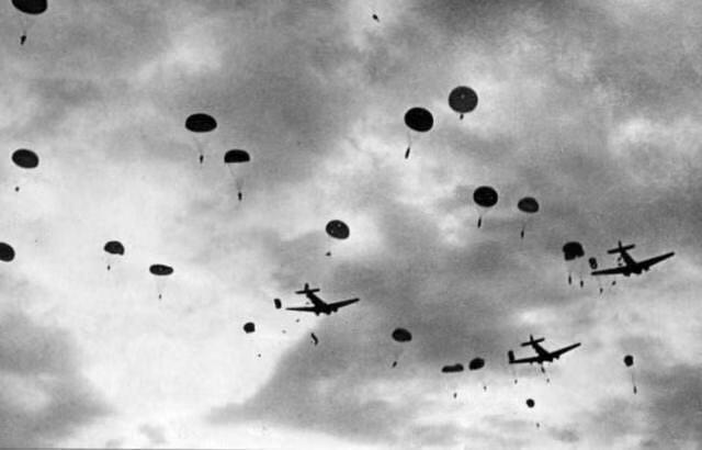 怕死不当空降兵!澳洲士兵尸骨挂树上70年 如今终于回归祖国