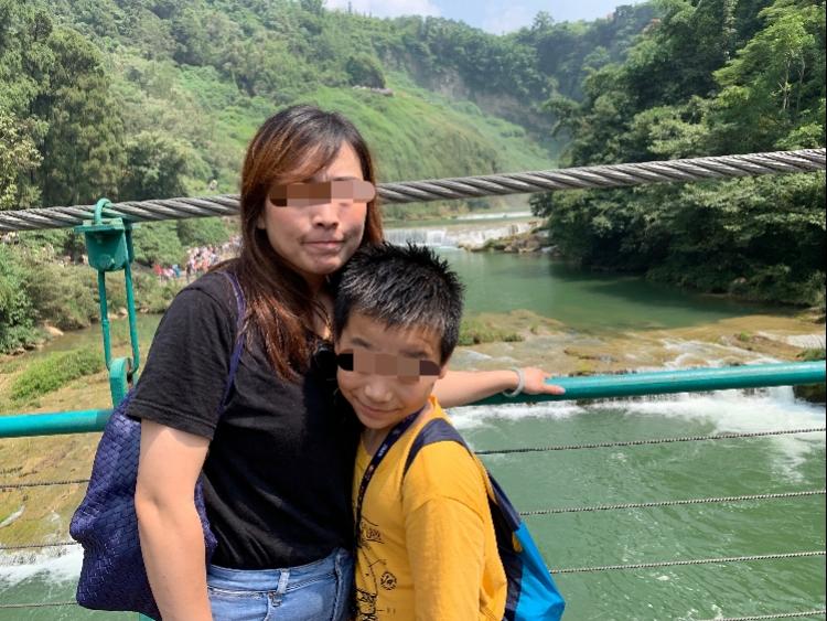 黄果树瀑布景区10岁男童落水!父母与大舅跳水营救,2死1伤