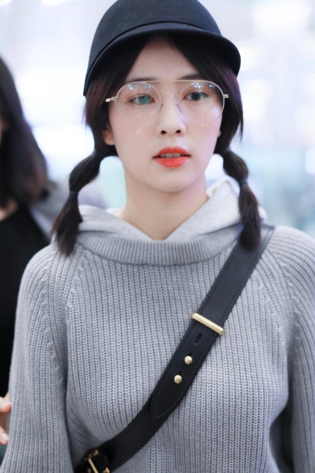 鞠婧祎,精致有仙女范!帽子打扮出4种女神范,超吸睛插图(11)