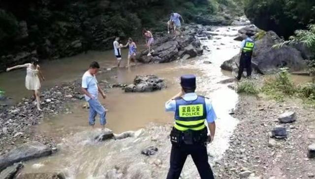 无视警告,6人任性野泳遇险,获救拒付救援费:公共资源就该救我