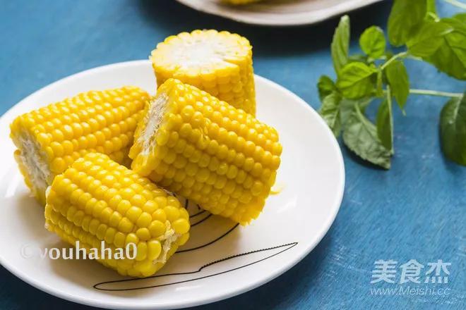 煮玉米别忘了这个小动作,味道更香甜,这才是正确的煮玉米姿势!_须和