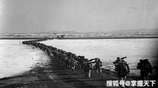 美派出300门大炮3000架飞机,190万发炮弹猛攻,43天愣是未进一步