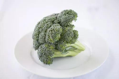 西兰花还能保健?常吃西兰花可防8种癌症