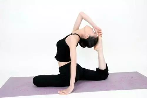 腹部减肥瑜伽动作 瑜伽运动 养生文化网