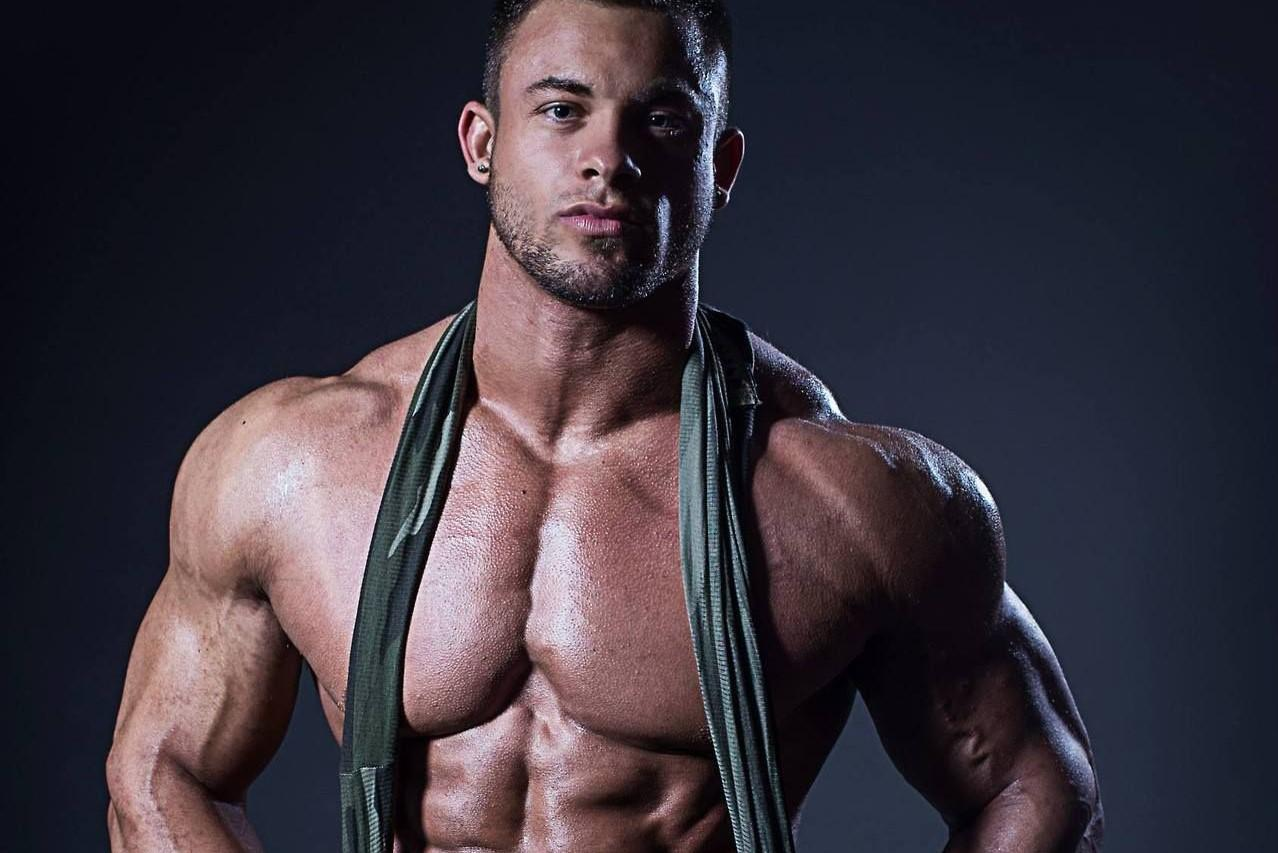 胸肌进化攻略,这几个动作是加宽加厚的关键!