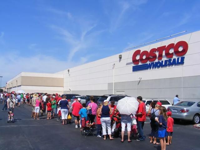 开家世一天被抢购逼停业,线下拼多多Costco为啥会那么吸引人?